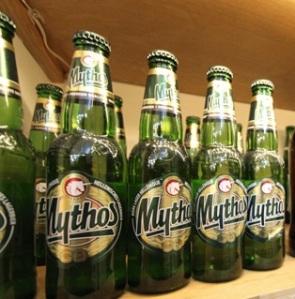 MADRID-COOL-BLOG-GREEK-SHOP-cerveza-mythos